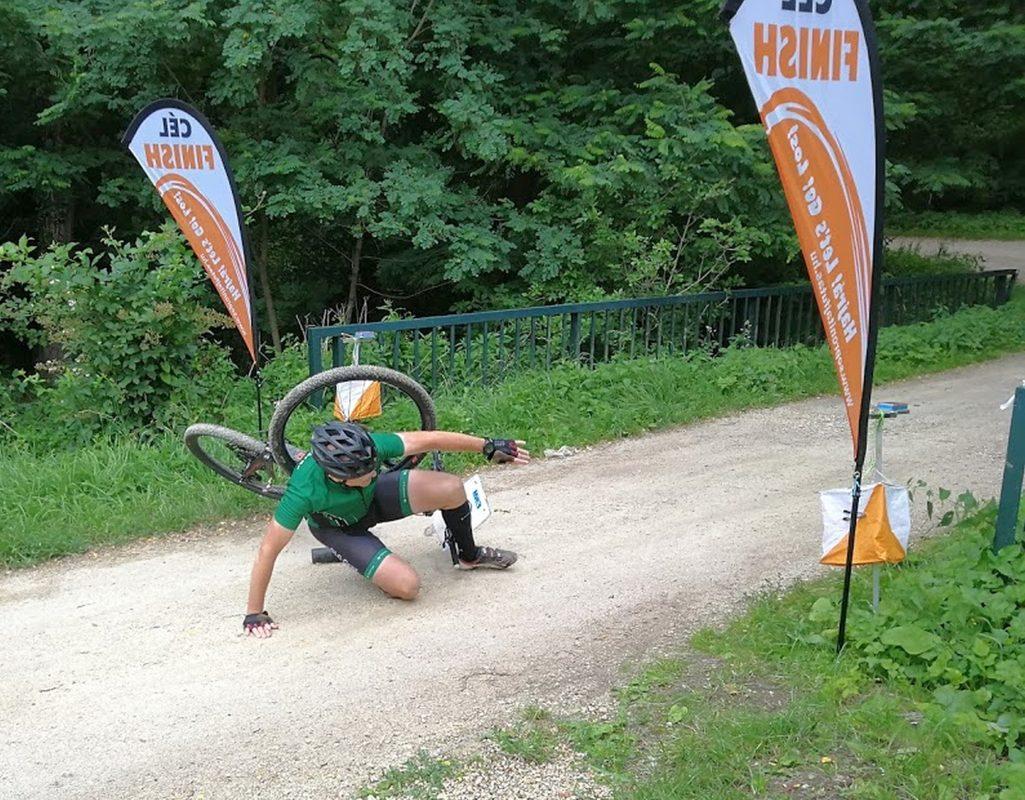 MTBO Brennbergbanya: Ewald Glatz bei seinem Zielsturz